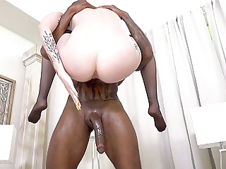 anal Marilyn Johnson Celebrates Her Divorce With Big Black Cocks blowjob